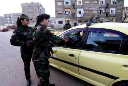 Syria female soldiers a