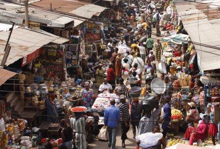 0 African market 7