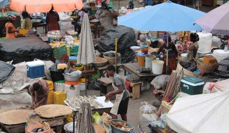 2 African market 10