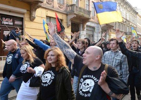 ukraine nazi march 1