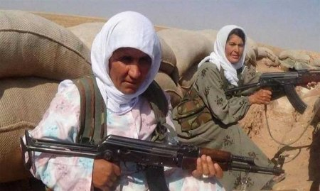 Kurdish female fighters 2