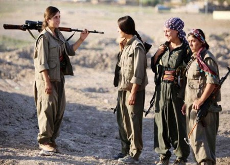 Kurdish women fighters 15