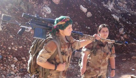 kurdish-women-fighters-with-gun